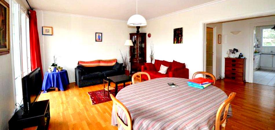 Chaque appartement est rénové, les meubles à votre disposition sont récents et en bon état. Nous pouvons vous proposer sur demande un service de nettoyage et d'entretien par des entreprises partenaires.